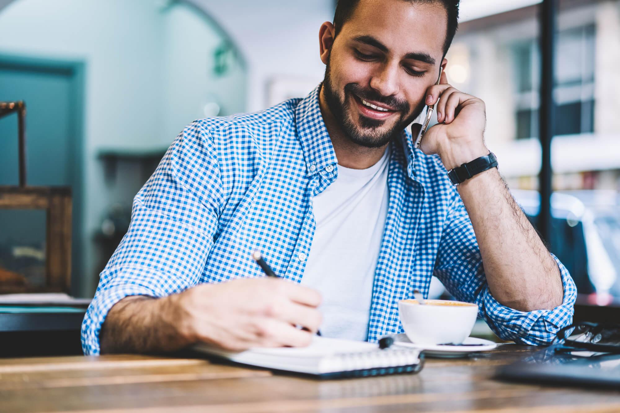 graduacao-a-distancia-permite-que-profissionais-conciliem-estudos-e-trabalho