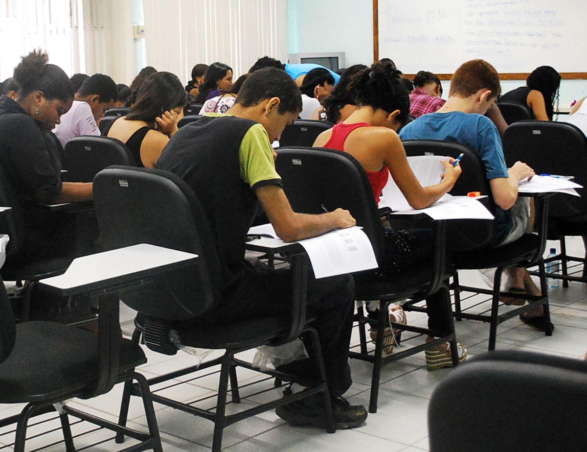 faculdades-privadas-querem-que-novo-governo-aumente-fies-em-10-vezes